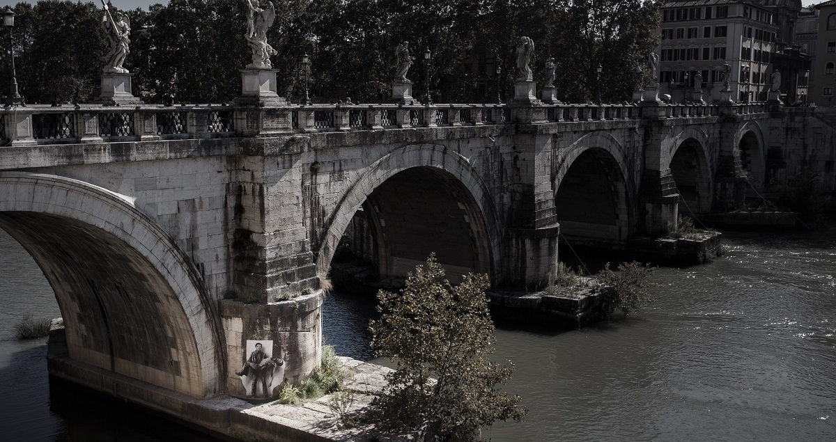 Ponte Sant'Angelo and Tiber in black-and-white