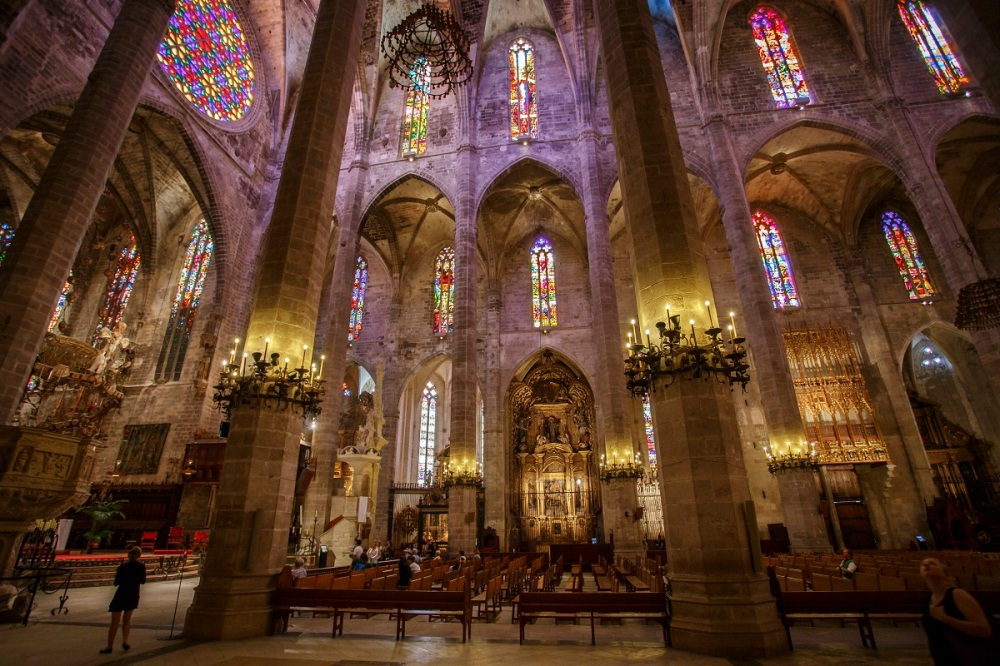 The impressive interior of the cathedral of Palma de Mallorca