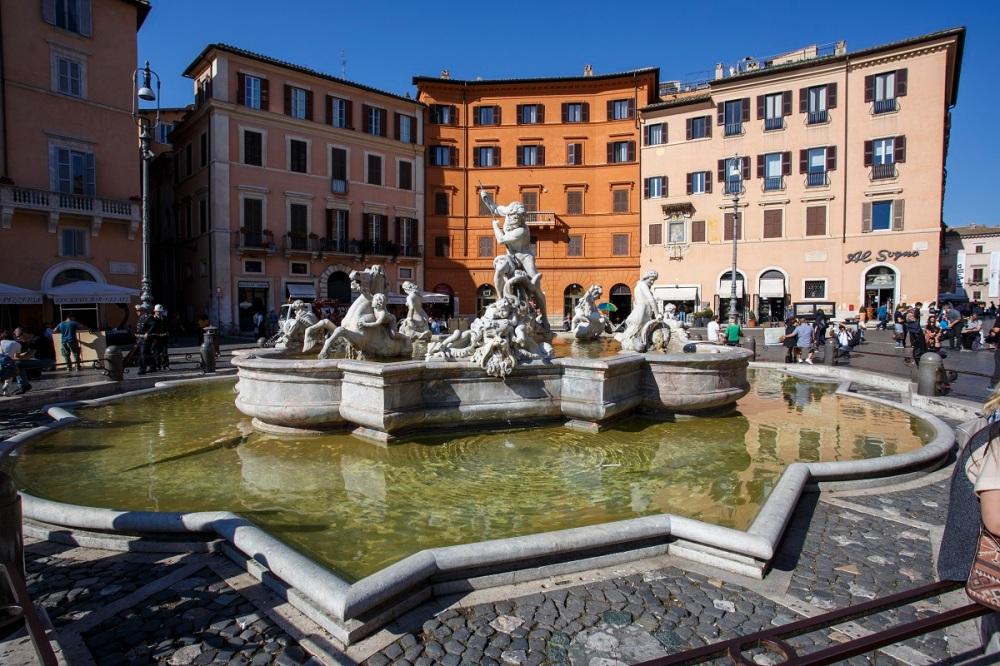 Piazza Navona 1