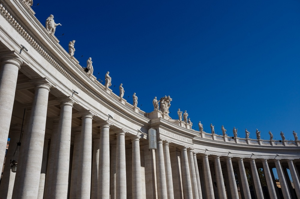 Detail picture of the pillars that surround the St. Peter's Square